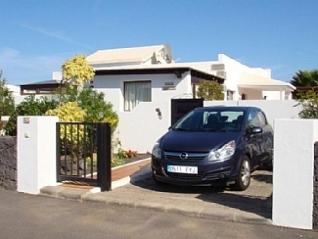 Parking - Villa Ahlmatel, Playa Blanca, Lanzarote